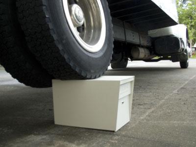 truck_on_mailboss-5