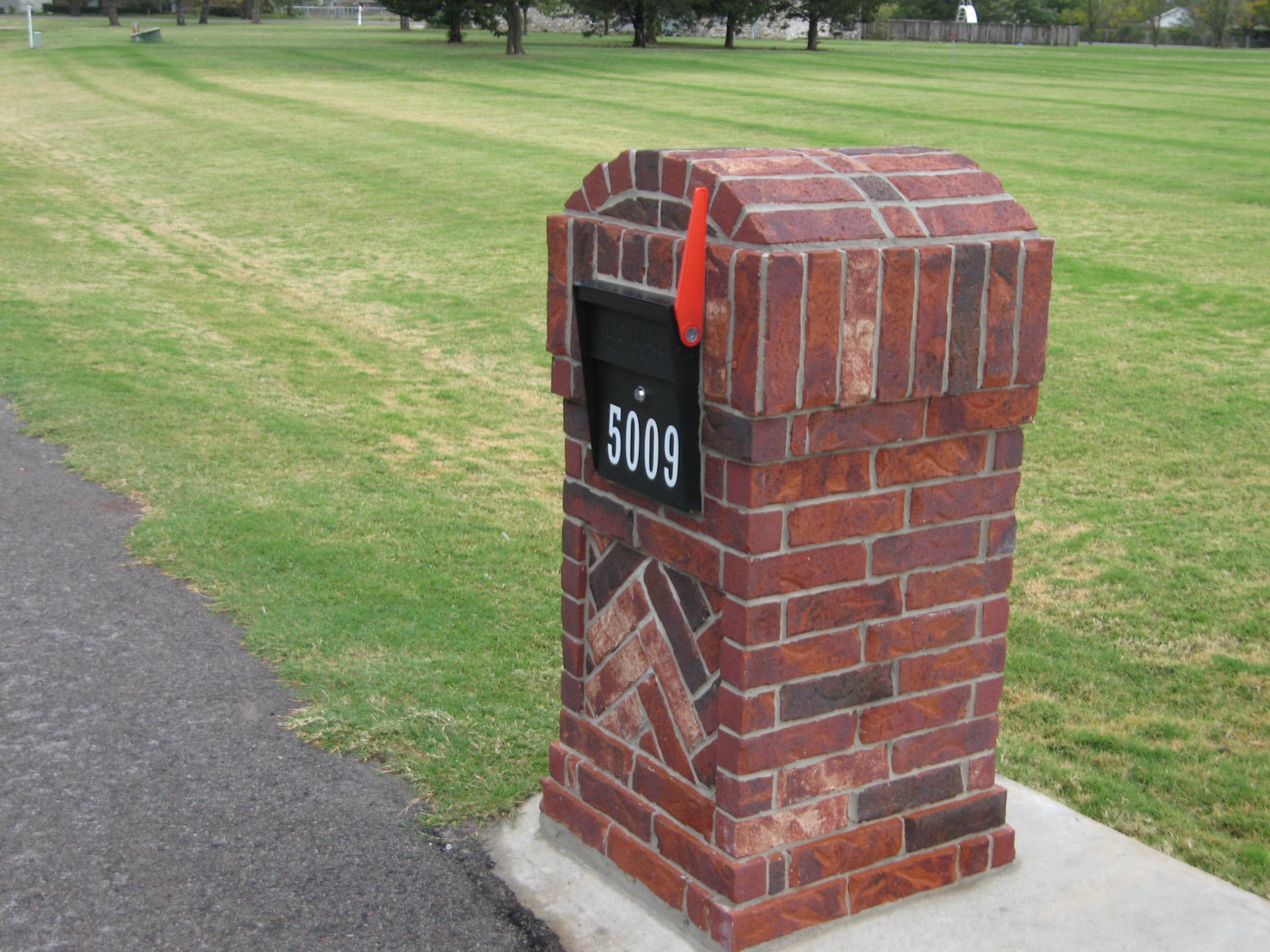 Mail Boss Flag Attachment For Brick Columns